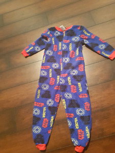 3t Star wars pjs -new