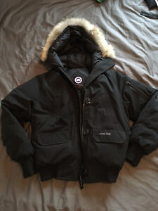 CANADA GOOSE CHILLIWACK BOMBER IN BLACK WOMEN'S MEDIUM