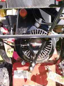 MUST GO!! Murray snowblower 8 horsepower 24 inch width Peterborough Peterborough Area image 1