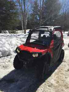 RZR  rouge Polaris  800  2014