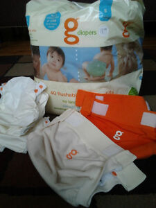 2 couches G diapers (small)