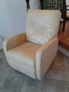 2 leather chairs and 1 TV for sale  $250