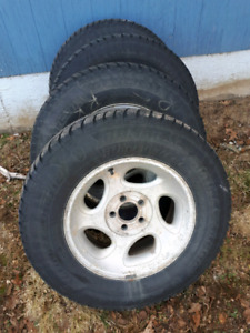 16inch 114.3x5 ford ranger studed winter tires