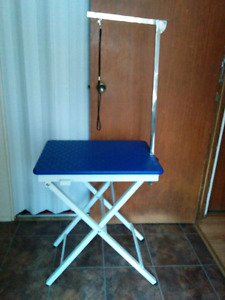 Portable small pet grooming table