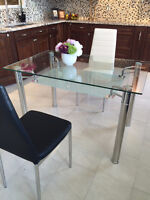 DINING TABLE ALL NEW  ON SOLD!!!!!