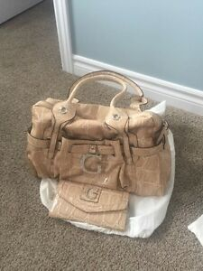 Brand New Guess Purses for sale!