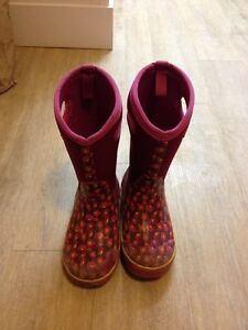 Bogs girls winter boots size 2