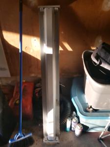 shop or garage overhead flourescent light fixture $20