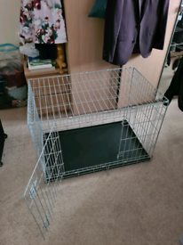 Medium sized puppy crate