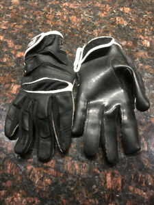 gants football cutters YL