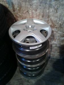 Roue 16 pouce   cap de roue Honda 16 ,  heach , 3500 l,b,s