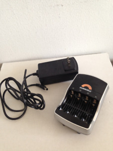 Duracell battery charger ( only two times used  )