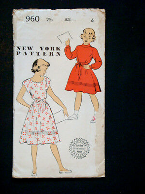 1940's 1950's Vintage NEW YORK #960 GIRLS DRESS Fashion PATTERN / Size 6