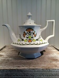 Large VTG Tea Pot, Johnson Brothers, Greenfield Pattern, Shabby