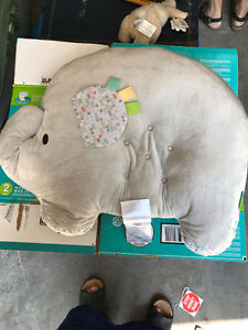 Baby positioning pillow - elephant