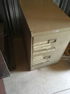 Metal 2 Drawer Vertical Filing Cabinet for SALe