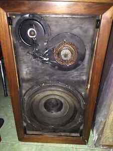 VINTAGE SPEAKERS ,AMPLIFIERS ,ANY CONDITION Sarnia Sarnia Area image 3