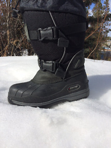 IMPACT BAFFIN BOOTS FOR WOMEN SIZE 6
