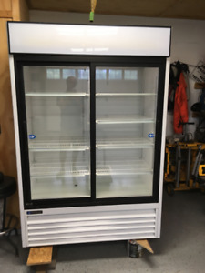 Master Bilt - GR48S 2 Door Glass fridge $2000 OBO