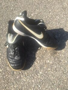 Various Youth indoor soccer cleats $15 each London Ontario image 1