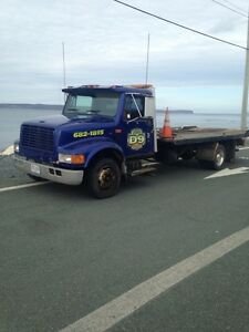 tilt and load tow truck