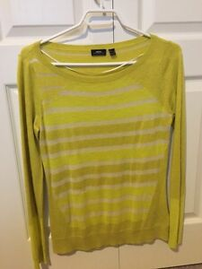 New Mexx Sweater - small
