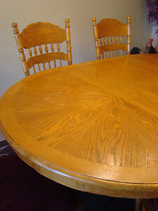 Country Style - Full Table with leaf & 6 chairs London Ontario image 2