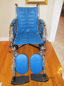 Wheelchair/transport chair, chaise roulante ou de transport