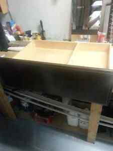 Maple plywood drawer with solid maple front