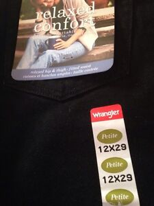 JEANS PRETEEN/TEEN/ADULT MEN AND WOMENS ASSORTED SIZES Kingston Kingston Area image 9