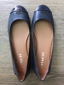 Brand New & Authentic Coach Woman's Signature Sneaker Shoes