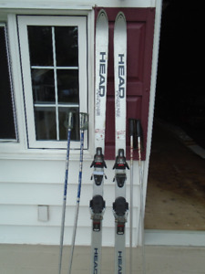 ski alpin Head Racing 72 po.de long avec 2 paires de batons