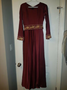Long sleeve maroon prom dress / evening gown