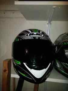 Full face helmets and removable saddle bags London Ontario image 5