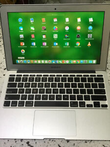Macbook Air 2014 11Inch i5 1.4GHZ 4GB 128GB M. Office and Adobe