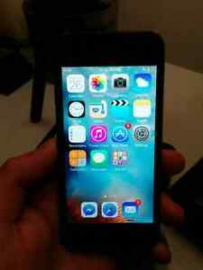 iPod Touch 5th Generation [Really nice condition] Négociable