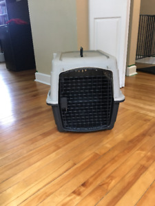 Medium Sized dog kennel [23x16] with carrying handle