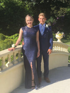 Navy blue le chateau prom dress