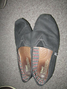 Women's TOM's, Charcoal, Size 8