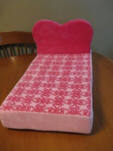 """BUILD A BEAR OR 18"""" DOLL BED/CHAIR"""