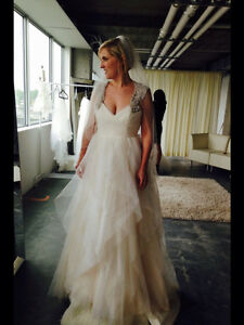 """Used Hayley Paige """"Carrie gown"""" size 12 (fits size 8-10)"""