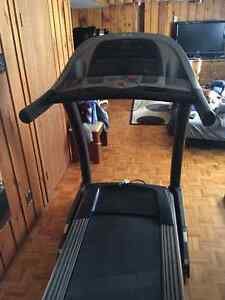 Tapis Roulant AFG 5.1AT Treadmill NEGOTIABLE