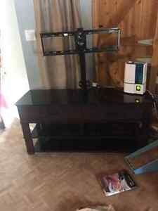 """42"""" LG TV, Gaming Theater Console, x-box 360 and games"""