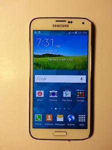 Samsung Galaxy S5 Phone White MINT Condition Unlocked 16GB