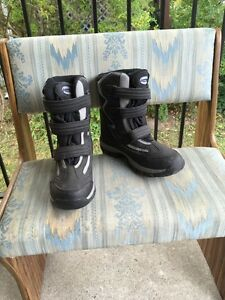 Winter Boots Size 9 Stratford Kitchener Area image 2