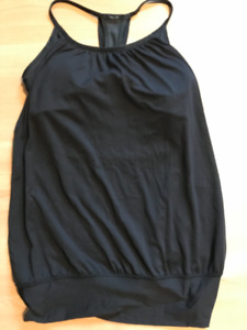 Lululemon Size Four Tank top with built in bra