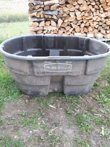 150 gallon rubbermaid agricultural products tank