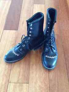 Ladies vintage Laredo leather lace-up roper