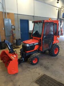 Kubota BX 1800 with Snowblower, Cab and Blade