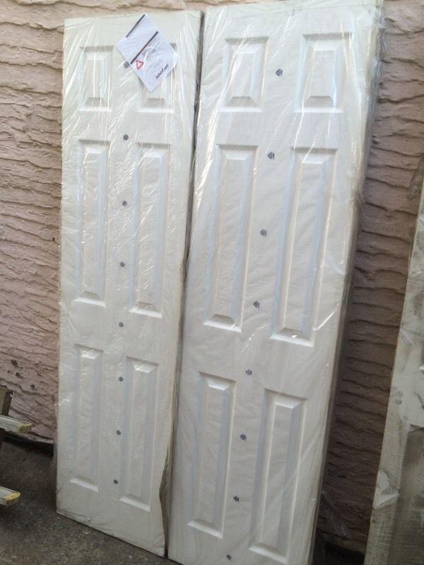 Pair Of Internal Doors 1066mm Wide 4 Panel Wood Grain In